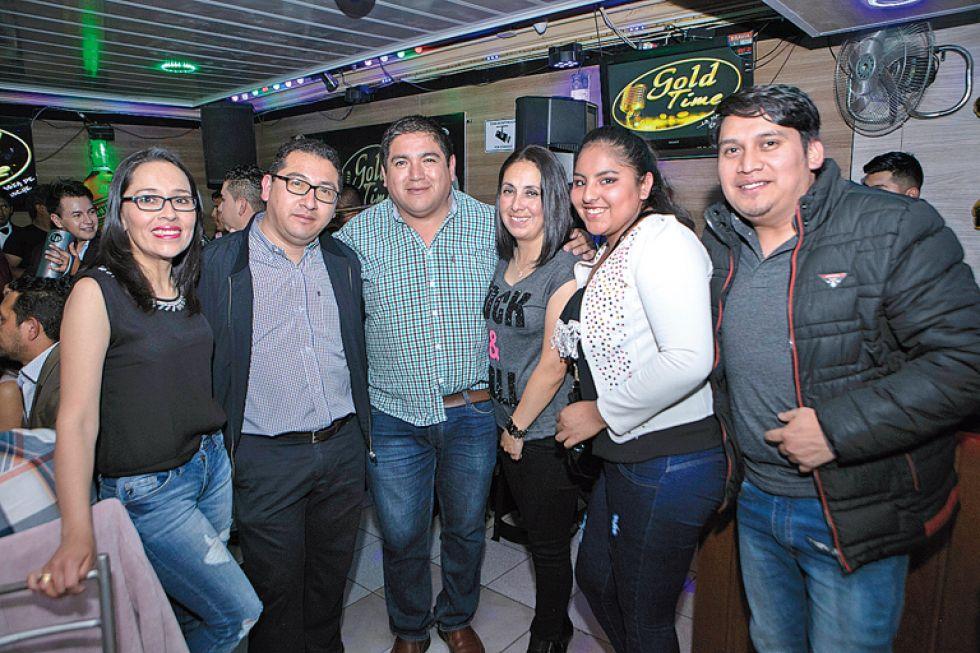 Margoth Castel de Delgado, Rubén Toño Delgado, Álvaro Delgado, Cinthia Rodrigo, Jessica Antezana y Daniel Díaz.