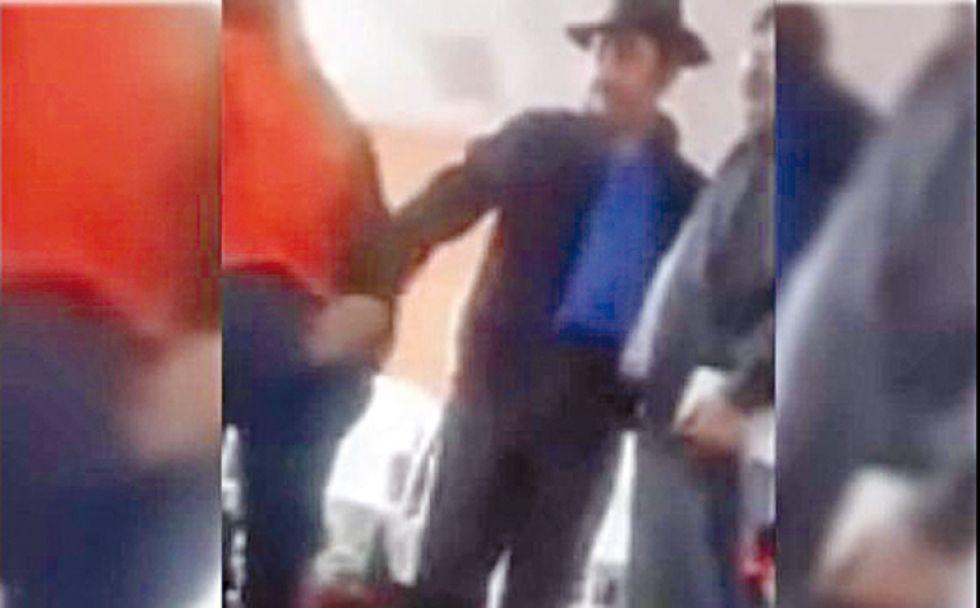 """Esteban Urquizu """"tocó"""" a una candidata del 21F"""