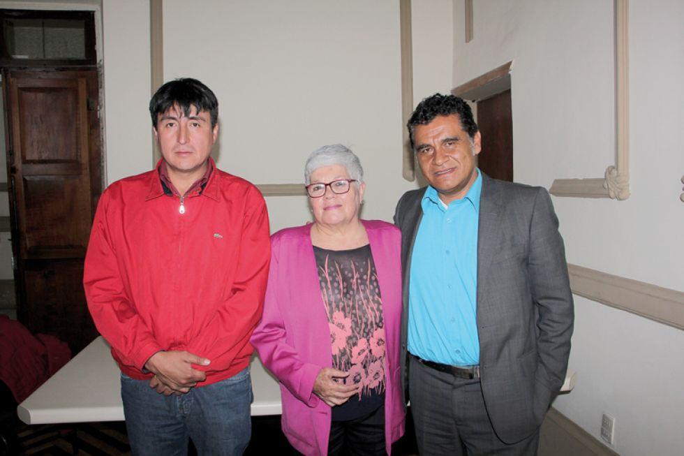 CANDIDATOS. Carlos Mora del Partido de Acción Nacional Boliviano (i), Silvia Salame de Comunidad Ciudadana (c) y Enrique Cortez del Movimiento Al Socialismo (d),