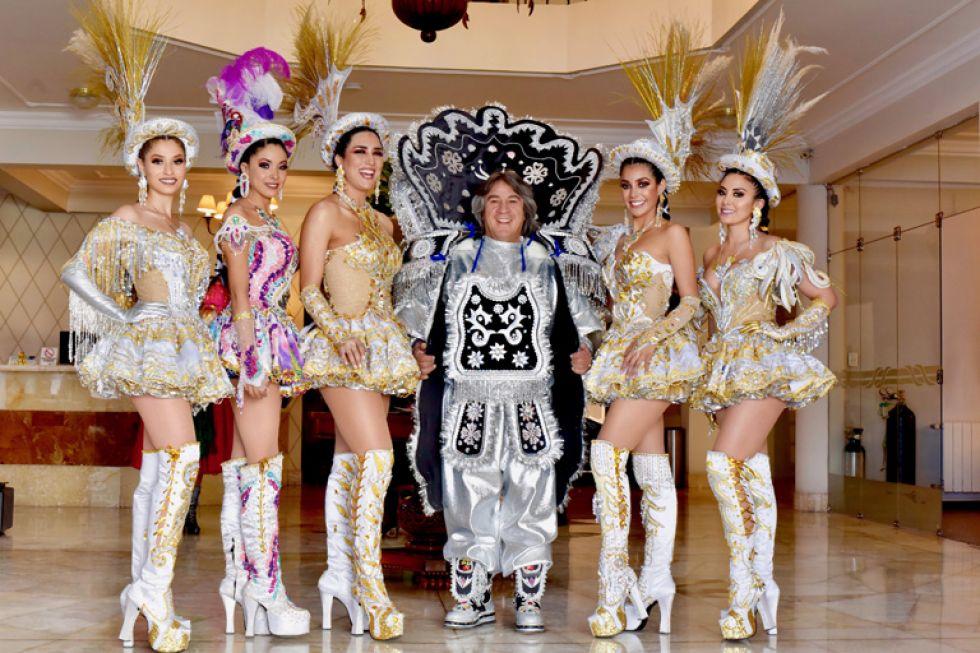 Valentina Zamora, Marcela Barrientos, Fernanda Castedo (Miss Bolivia Tierra 2019), Orlando Careaga, Fabiana Hurtado (Miss Bolivia Universo 2019) y Ariana Maldonado