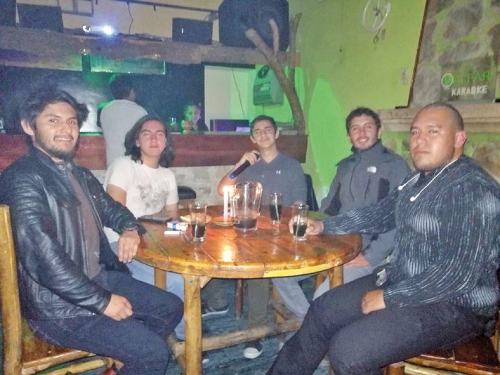 Gabriel, Carlos, Luis, Alain y David.