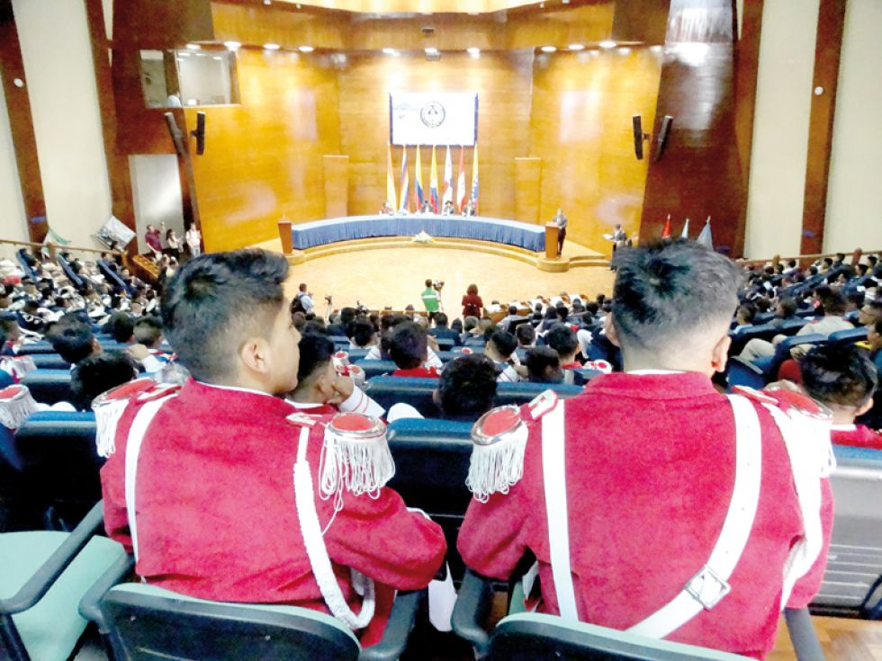 Colegios de países bolivarianos tratan en Sucre el papel del Gran Mariscal