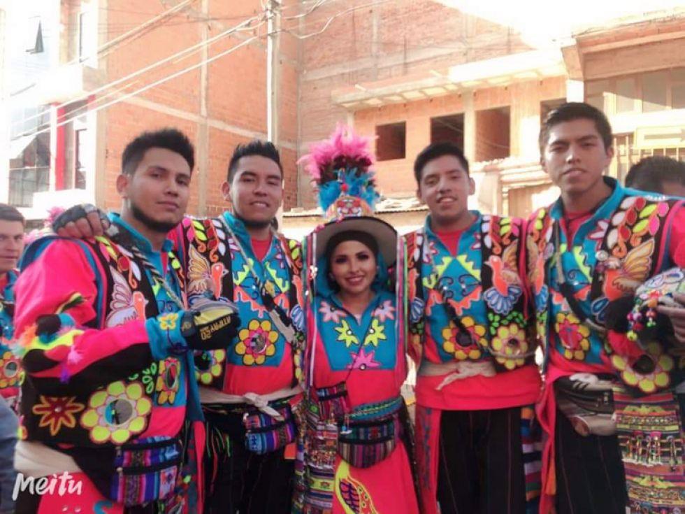 Alegría y folclore en la entrada  en honor a la Virgen de Guadalupe