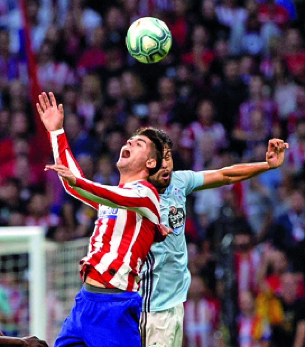 Un pasaje del partido entre el Atlético y el Celta.