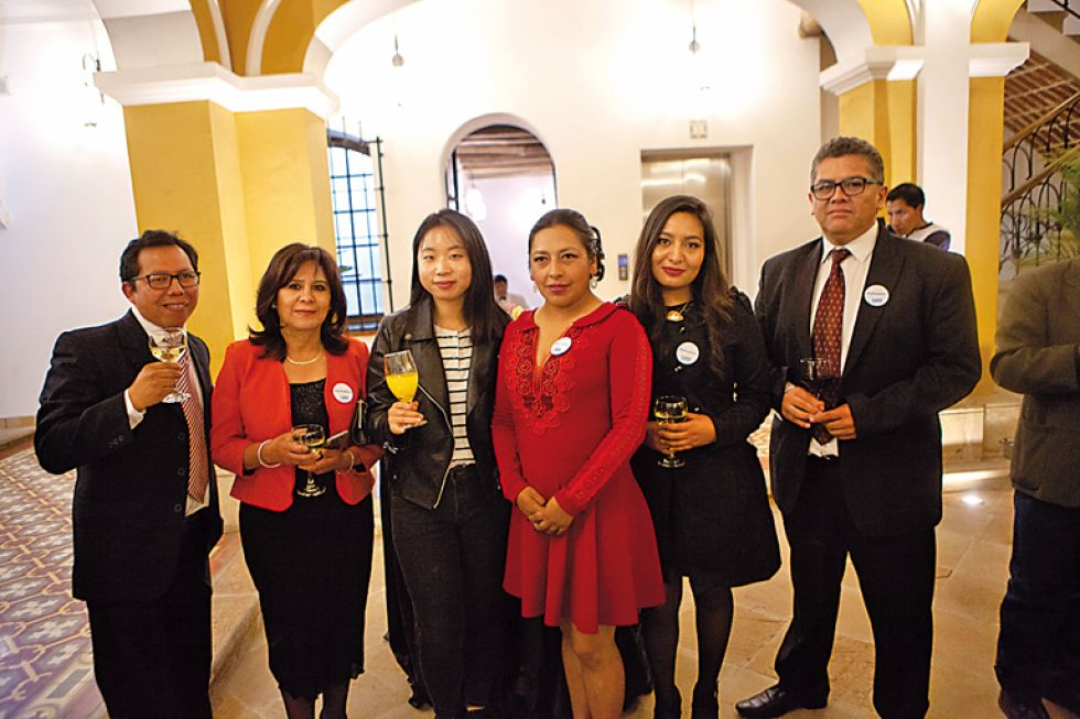 Ervin Aldunate, Irene Díaz, Dakyung Oh, Nancy Morales, Ana María Hinojosa y Rafael Pacheco.