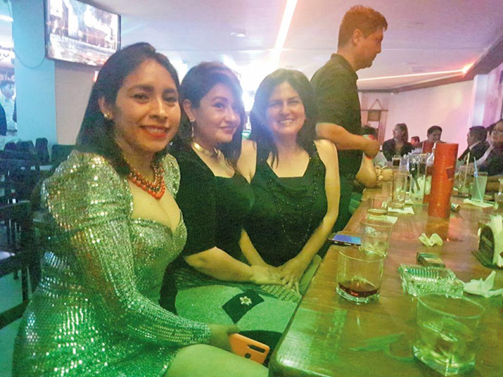 Mayra, Paola y María Jesús.