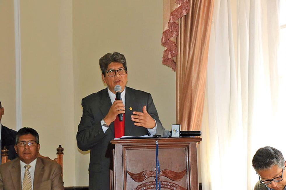 Sergio Padilla, rector de la Universidad San Francisco Xavier de Chuquisaca.