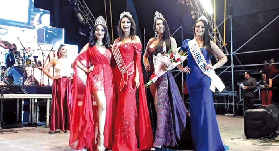Paola Flores (Miss Fexpo), Ana Pereira (Srta. Chuquisaca), Carol Vacaflor (Srta. Fexpo) y Nicol Gantier (ex Miss Fexpo).