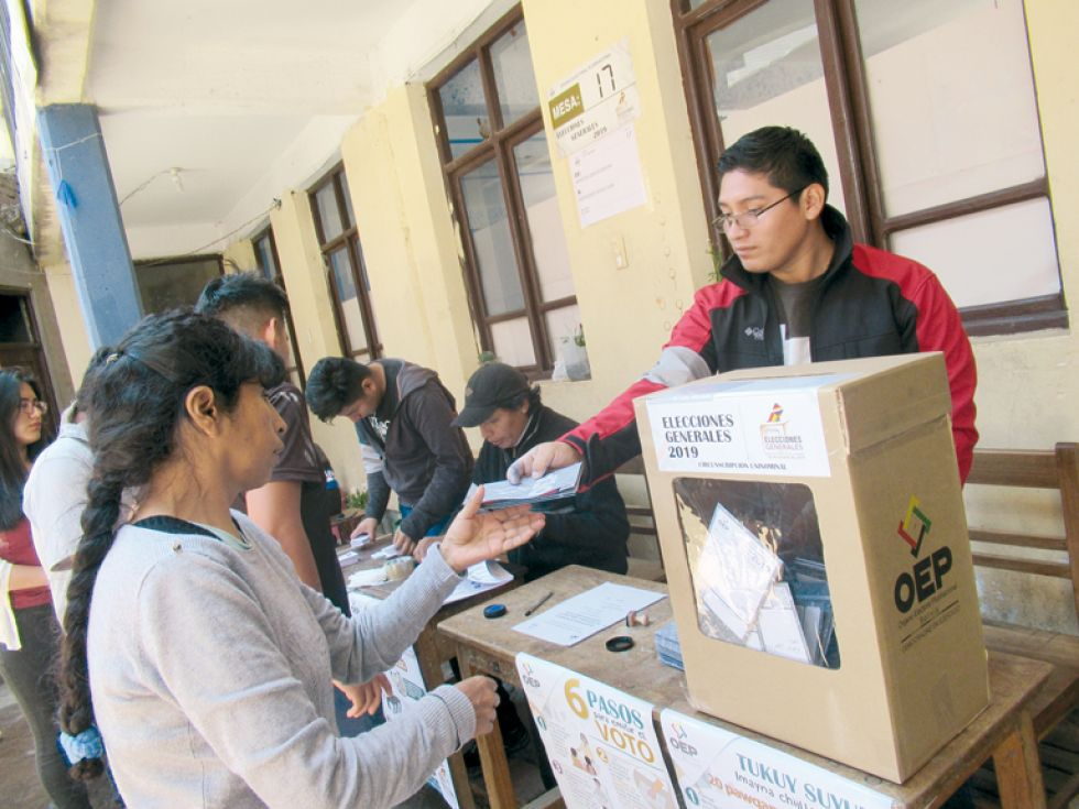 SUFRAGIO. Los comicios electorales en la zona de Alto Delicias.