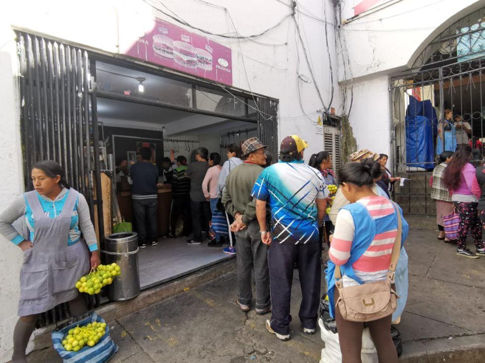 La gente se abasteció de algunos productos del mercado Central.