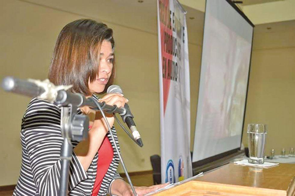 Victoria Morales, organizadora.