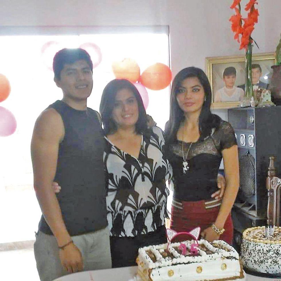 Freddy, Mirna y Paola.