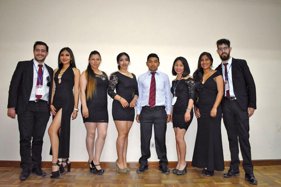 Adrián Ávila, Alejandra Valeriano, Jhoselin Dávila, Lilian Ordoñez, Alfredo Pacheco, Andrea Durán, Morelia Quispe y Robert Mérida.