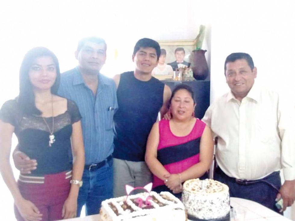 Paola, Iván, Freddy Salazar, Estrella y José Escóbar.
