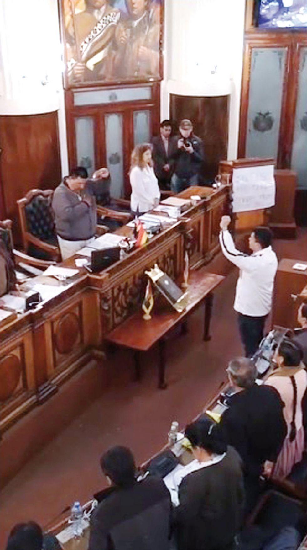 MAS. La sesión de la Cámara de Diputados esta madrugada.