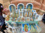 Imágenes de la Virgen de Guadalupe en puertas de la Catedral.