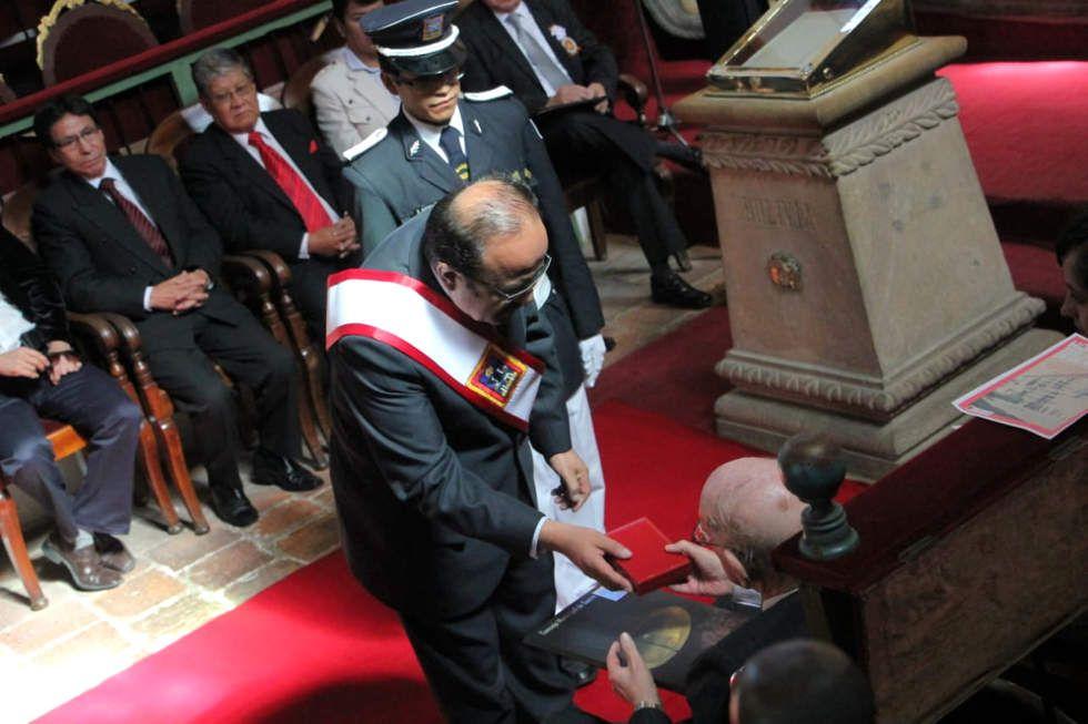 Sesión de honor del Concejo Municipal este 24 de mayo, en el que se condecoró a personalidades.