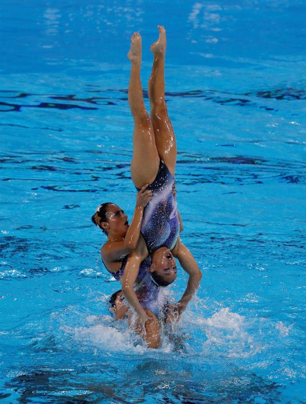 Nadadoras de México compiten en nado sincronizado en los Juegos Panamericanos Lima 2019.