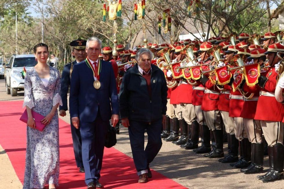 El Vicepresidente junto con su esposa y