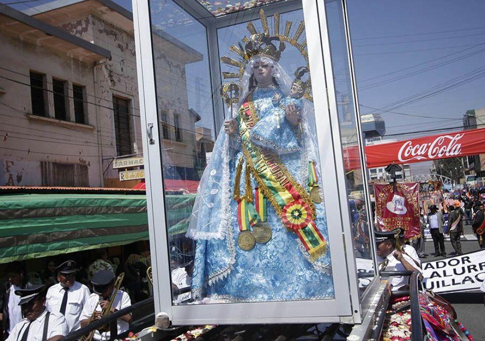 La entrada folclórica de Urkupiña en Cochabamba.