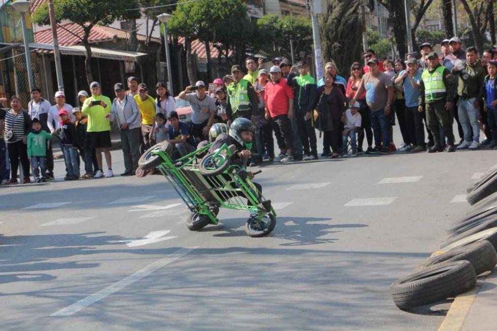 Vertiginosa carrera de cochecitos sin motor
