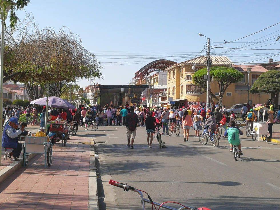 Los sucrenses participaron de variada actividad física en el Día del Peatón en Sucre.