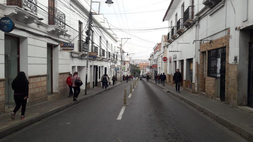 Así se encuentra la calle Camargo, una de las principales vías del centro de la ciudad.