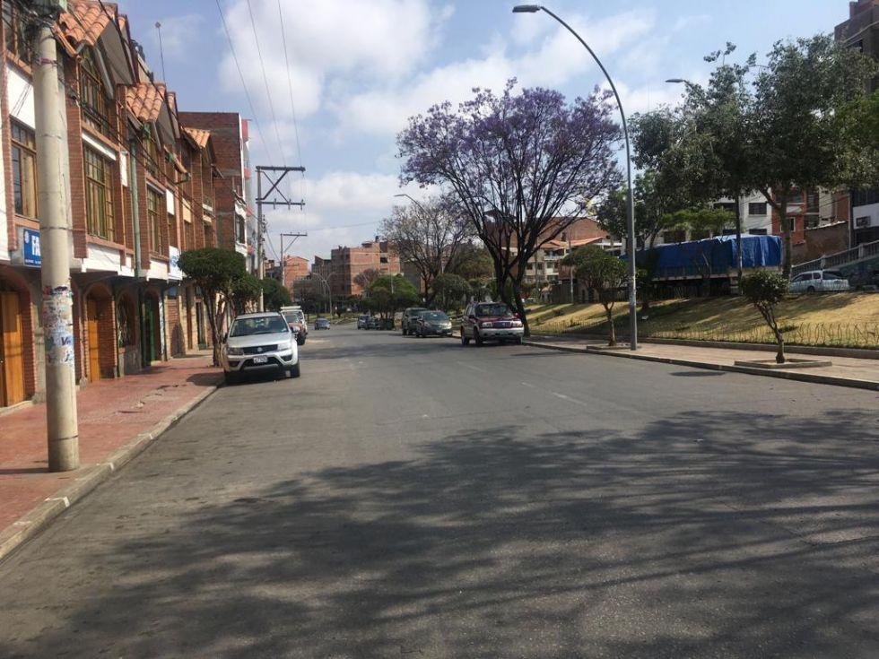 Algunas calles se encuentran expeditas pese a que no existen bloqueos.