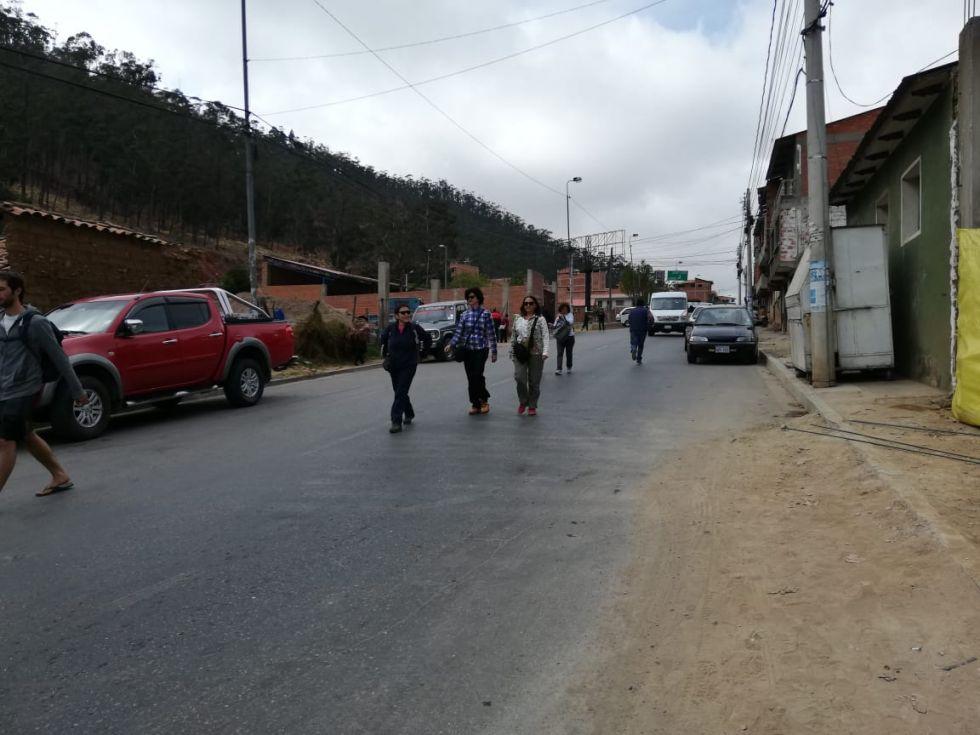 Los estudiantes llegaron caminando a sus establecimientos.
