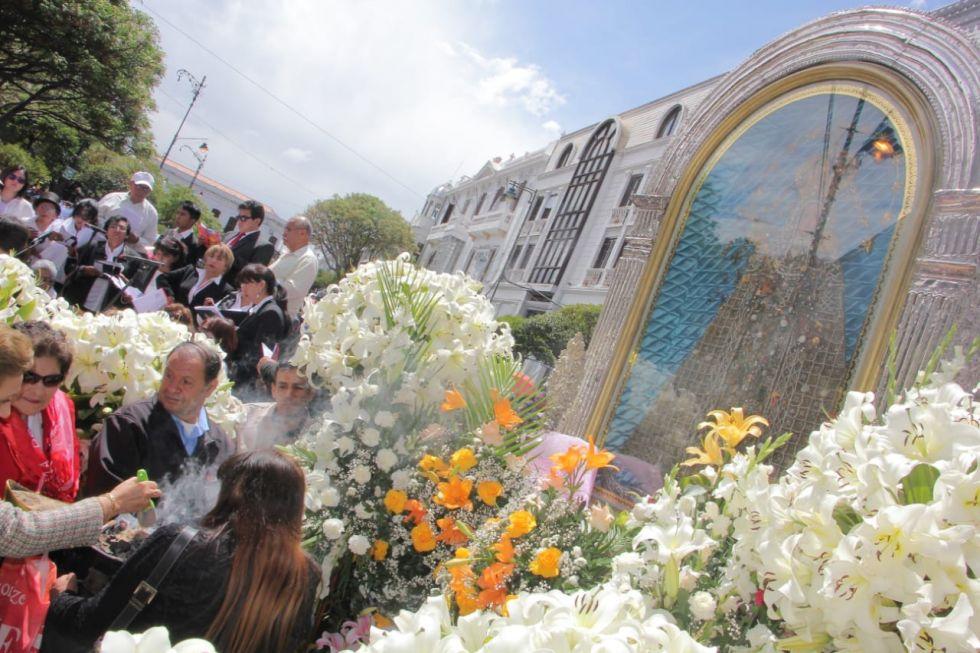 Eucaristía y procesión de la Virgen de Guadalupe
