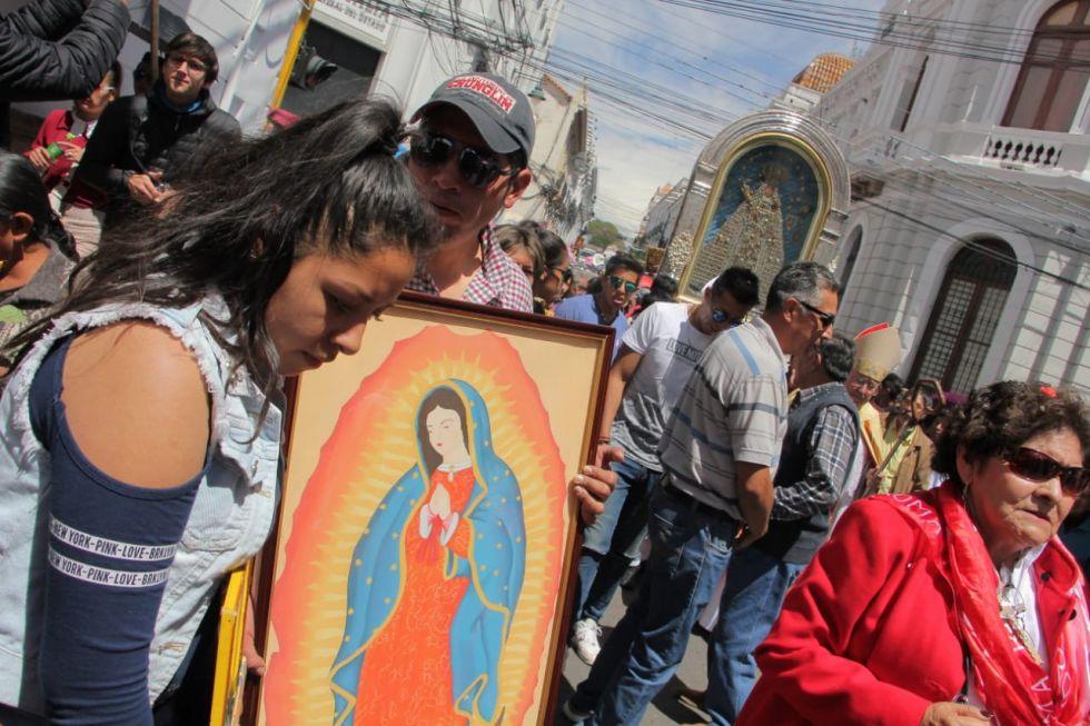 La imagen de la Virgen recorrió las principales calles de Sucre