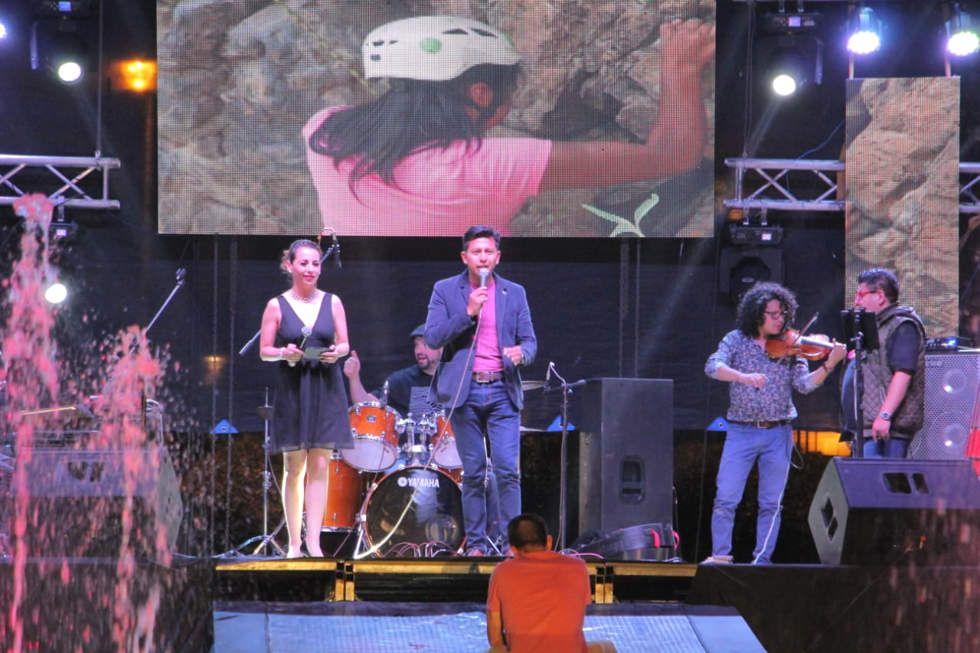 Música, baile y color en la inauguración del FIC 2019