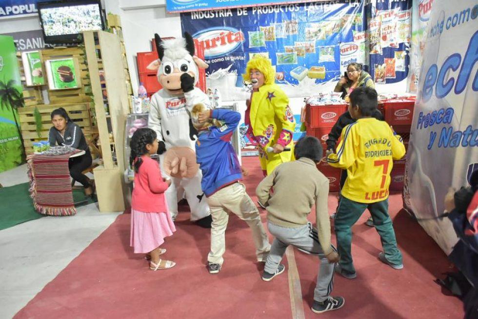 Niños acuden a la Fexpo para divertirse