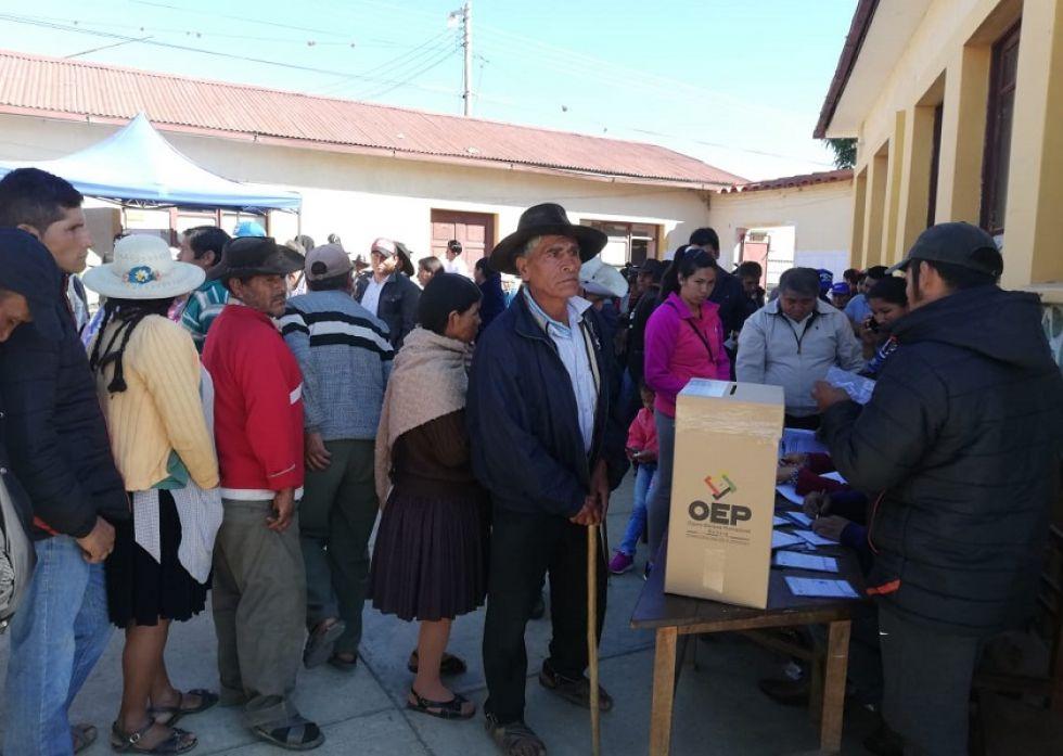 En Padilla, los ciudadanos acudieron masivamente a las urnas.