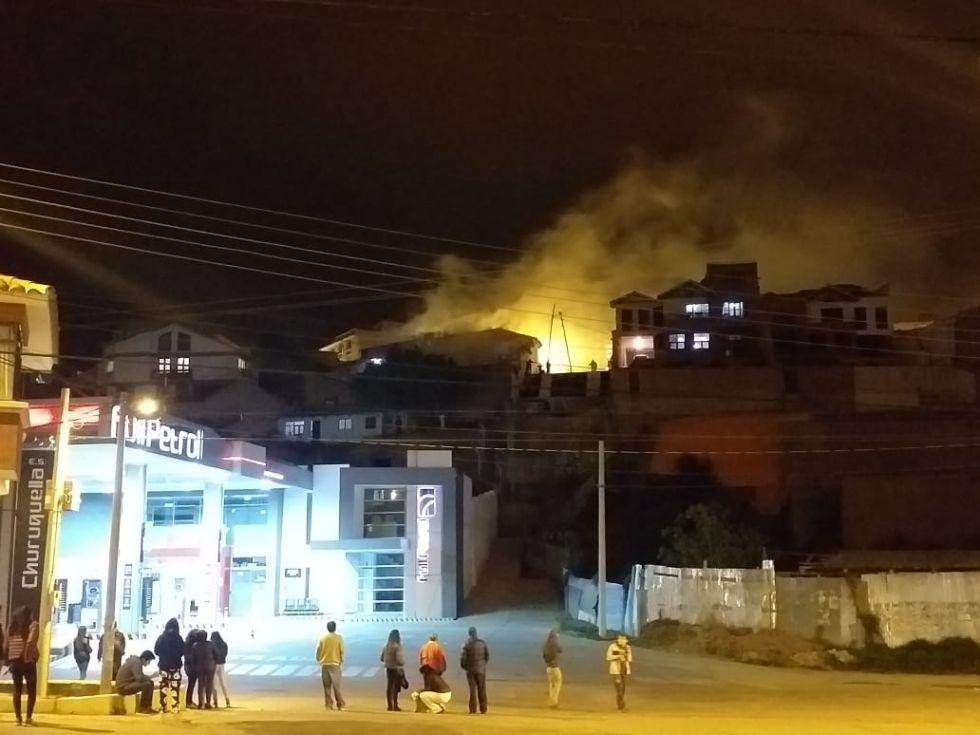 El incendio de una sede del MAS en la calle San Alberto.