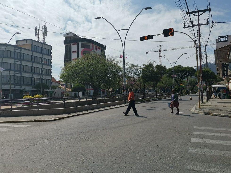 Aunque no hay puntos de bloqueo, en la avenida Germán Mendoza no hay tránsito vehícular.