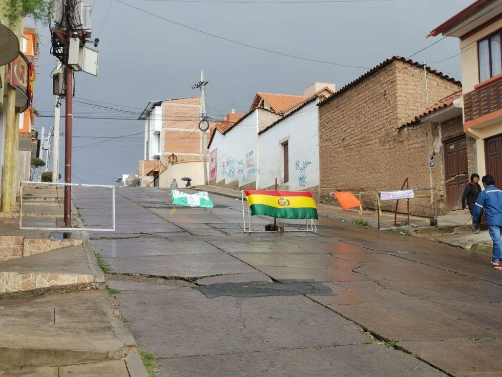 Pese a la torrencial lluvia que cayó en horas de la mañana, los puntos de bloqueos no se movieron.
