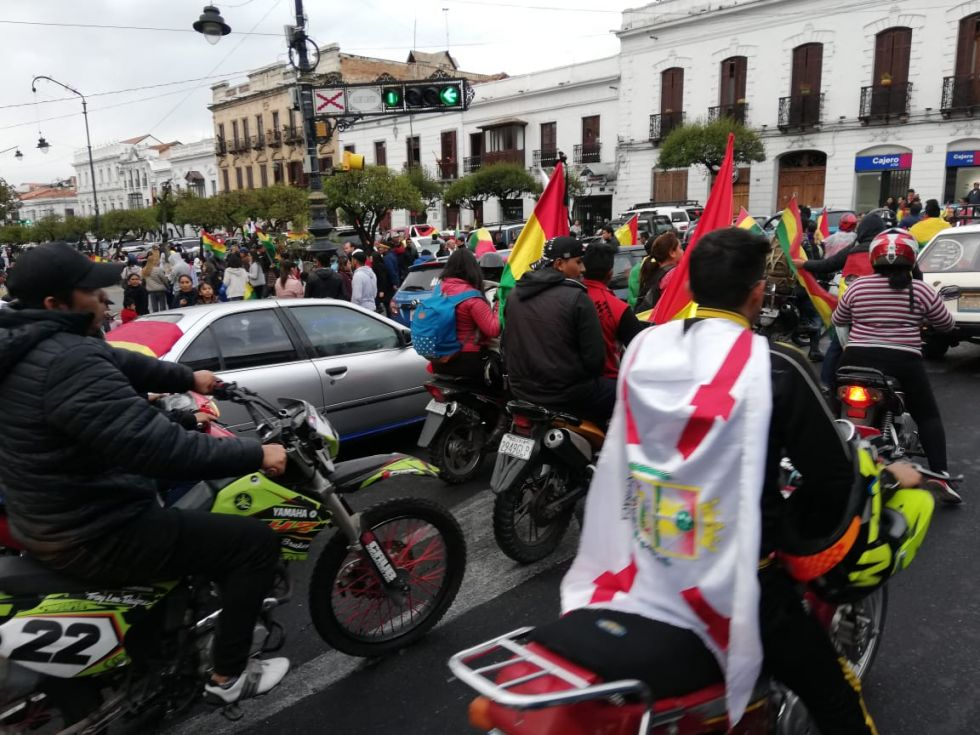 Celebración ciudadana en la plaza 25 de Mayo.