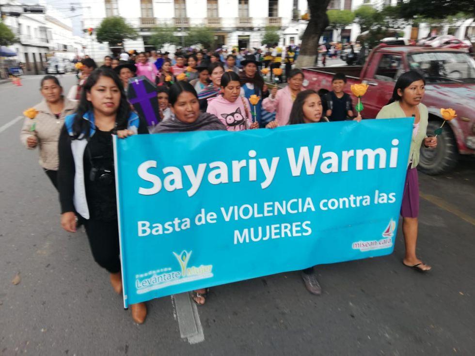 Marcha en Sucre por el Día Internacional de Lucha contra la Violencia hacia la Mujer.