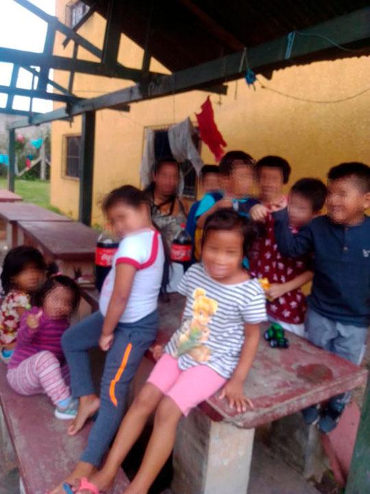 Cerca de 90 niños viven en cárceles de Bolivia