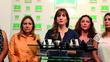 UD denuncia retención ilegal de esposa de Leyes