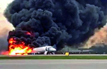 Grave accidente aéreo deja  41 fallecidos en pista rusa